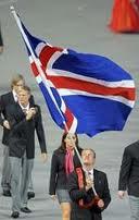 Islândia; Islandeses; Indignados; Correm com A bandeira Islandesa; Islandese Indignados; Correm; Bandeira Islandesa; Bandeira Islândia; Crise