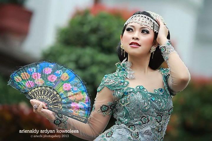 selvi nomiira with kebaya tinong hijau fmb foto model