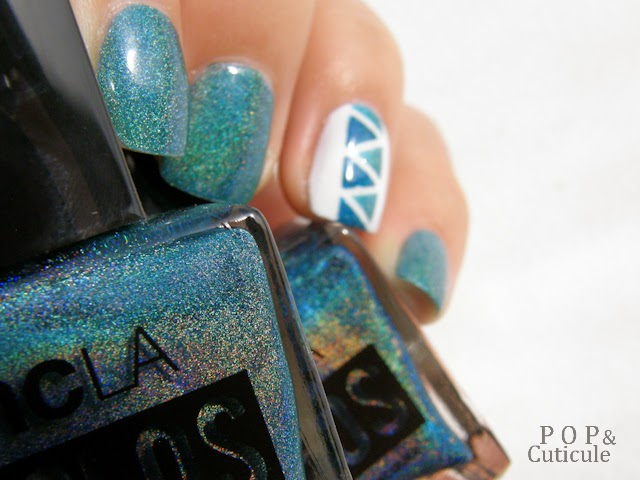 Pop'n Cuticule Tuto Nail art triangle Bleu Teal the End, Drop of teal
