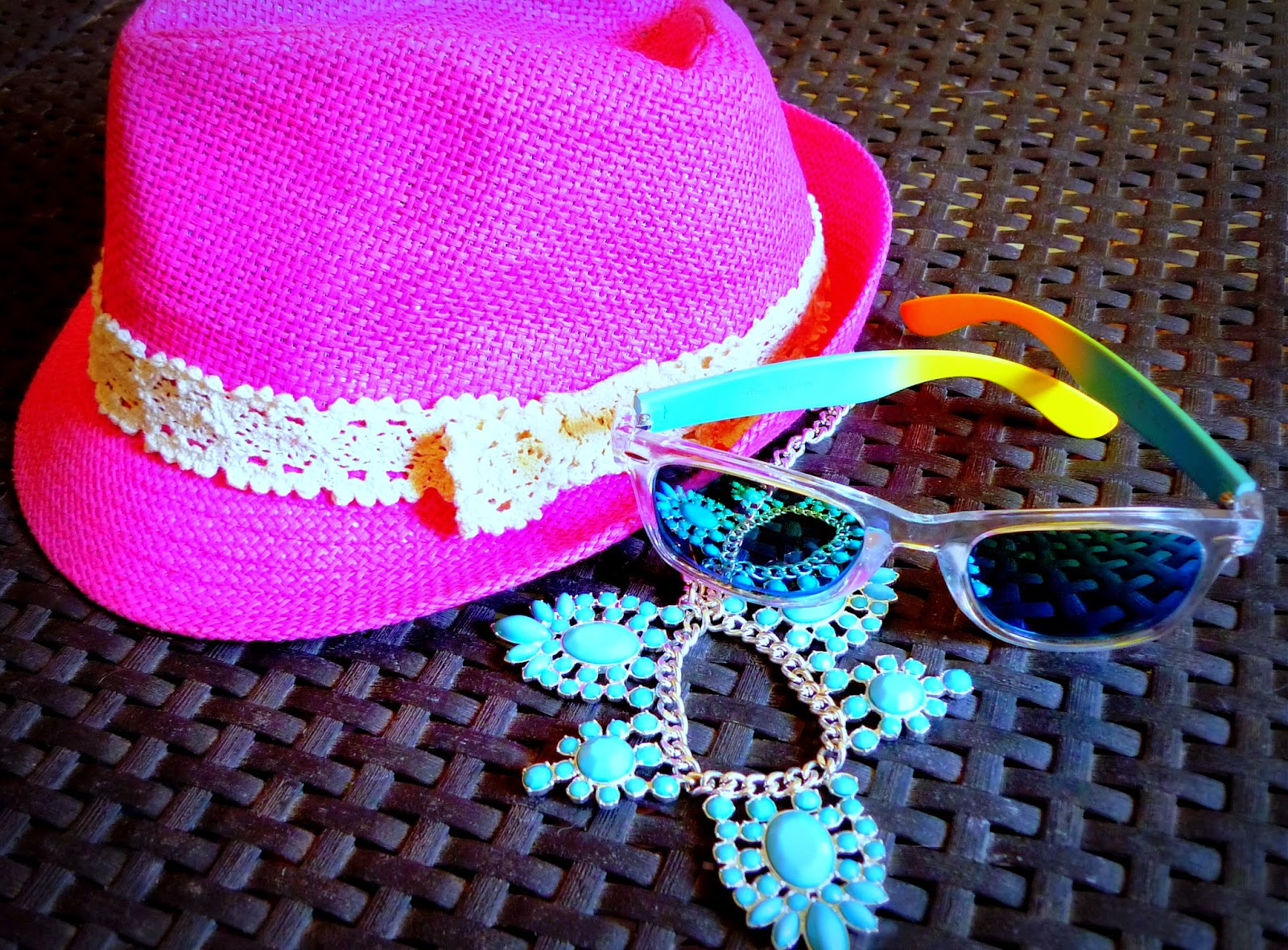 sombrero paja rosa
