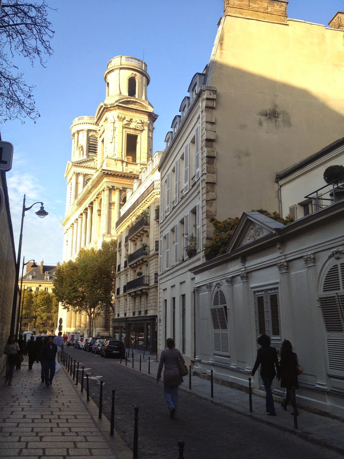 Street near l'église Saint-Sulpice