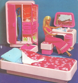 Te lo ricordi mica le case di barbie - Camera da letto di barbie ...