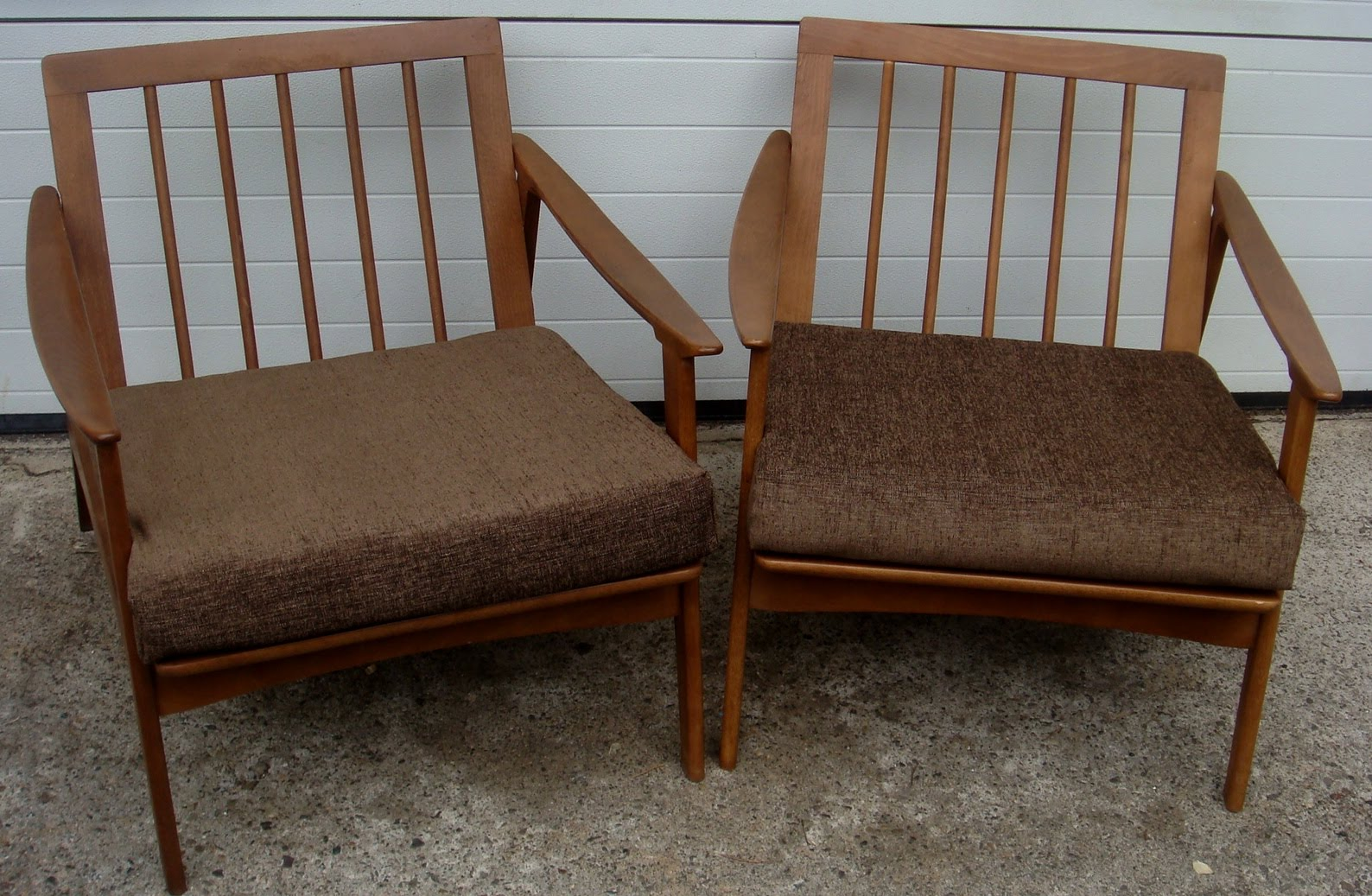 mid century pair of modern lounge chairs