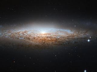 Галактика НЛО  (NGC 2683)  в созвездии Рысь