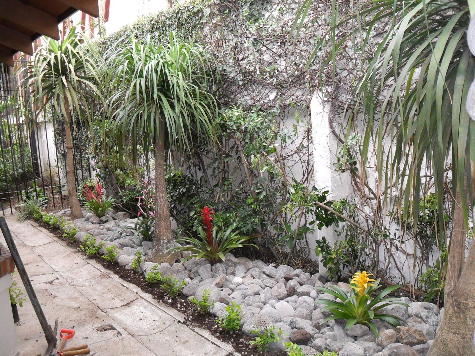Mantenimiento y dise o de jardines jardin seco for Jardines con piedras y troncos