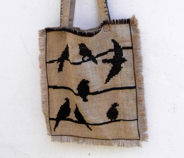 Τσάντα από λινάτσα, κέντημα σε τσάντα, κέντημα σε λινάτσα, σταυροβελονιά σε λινάτσα, σταυροβελονιά σε τσάντα,