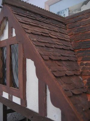 Dolls houses and minis tudor dolls house decorating the exterior for Dolls house exterior decoration