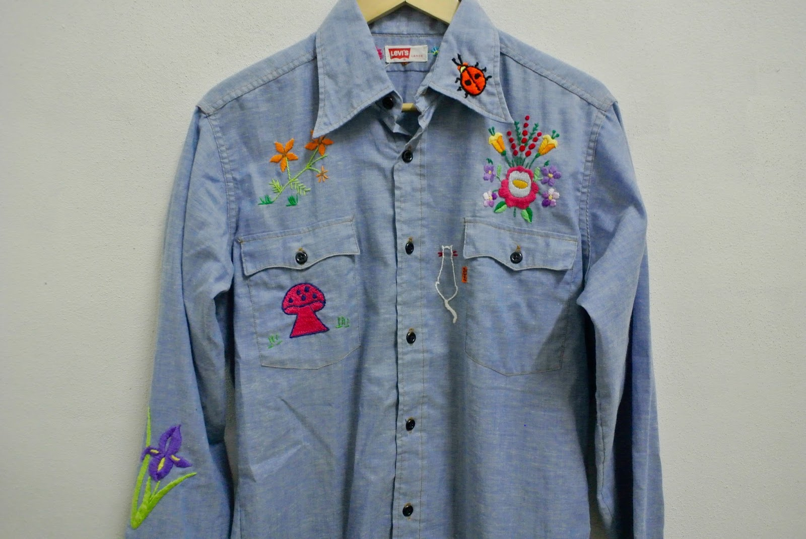 Indieclothingitems vintage levis chambray shirt sold for 5 11 job shirt embroidery