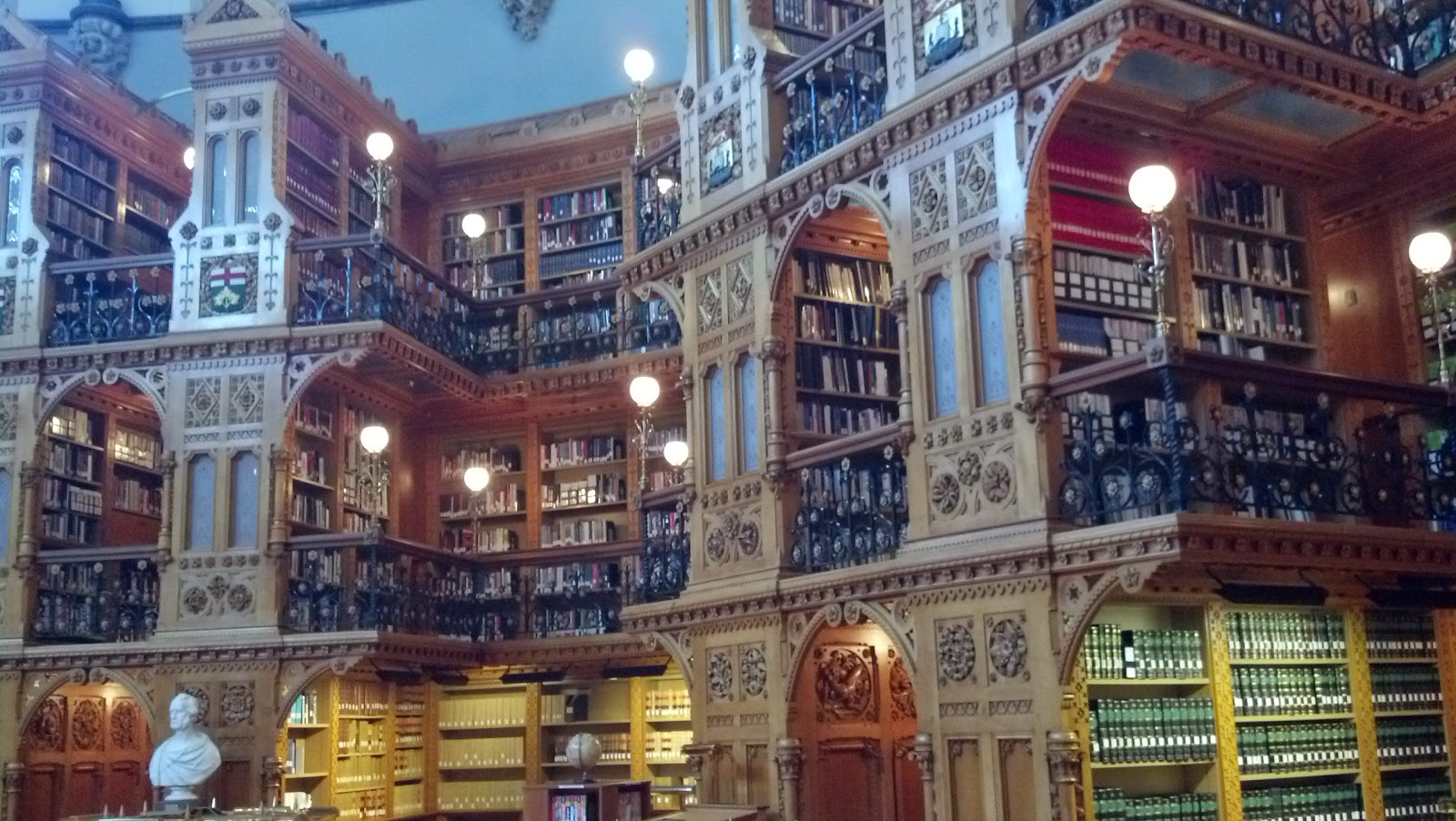 Stunning Woodwork and Book Collections at the Ottawa Library of Congress