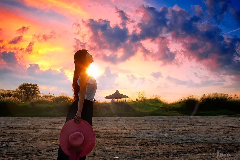Thu Ha Kitty in the sunset, Vietnamese beautiful girl on the beach, Album hình ảnh đẹp: Cô gái trước nắng hoàng hôn, thu hà kitty