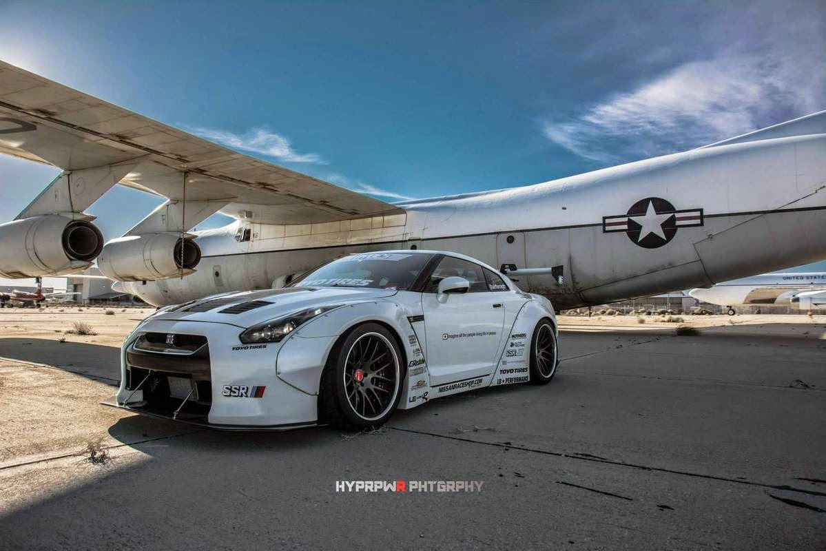 liberty walk nissan r35 gt r nismo by lb performance. Black Bedroom Furniture Sets. Home Design Ideas