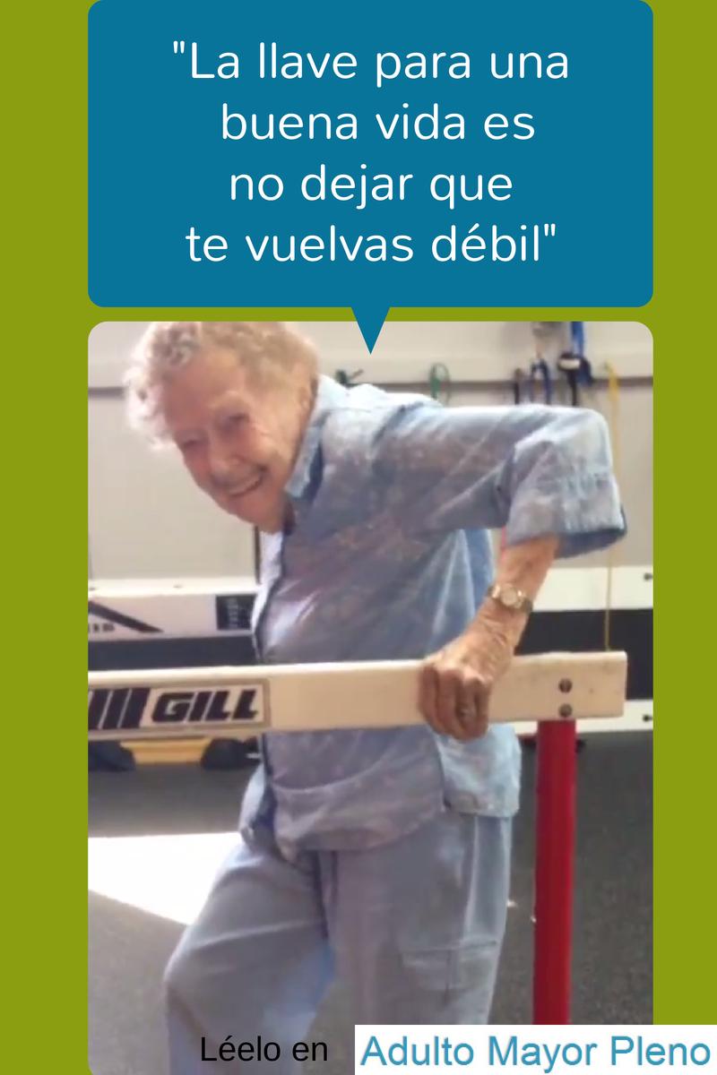 Adulta mayor, 97 años, ejercicio.