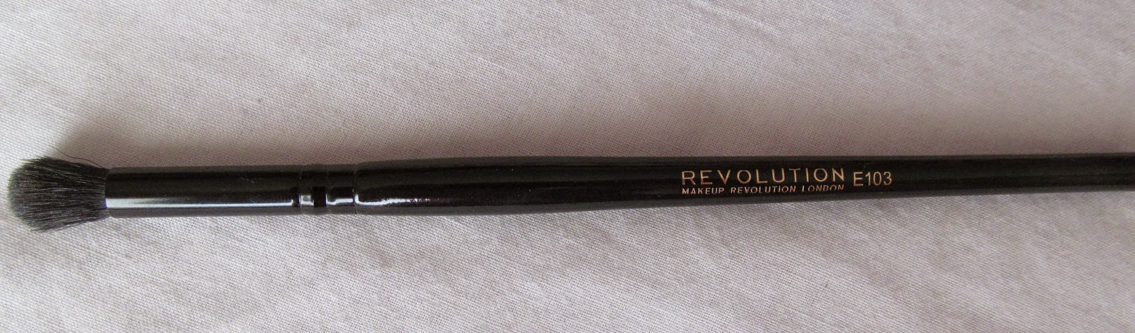 makeup revolution eyeshadow blending brush