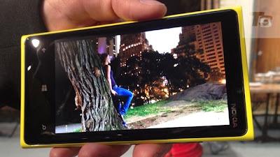 Nokia Lumia 920, scarce version cyan