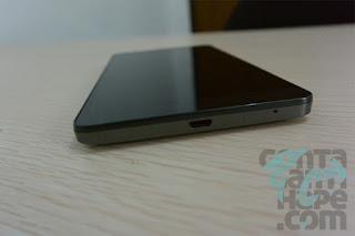 Infinix Note 2 - Bagian bawah, ada port micro USB 2.0 dan lubang mic