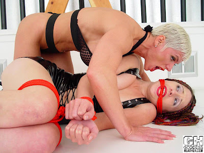 Muscle domination & Goddess Heather