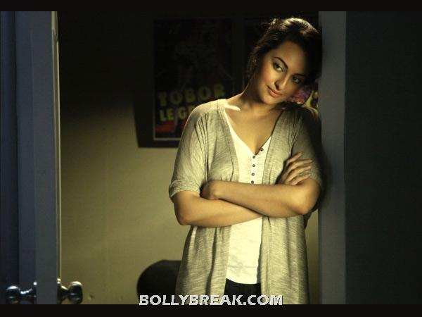 Dream girl sonakshi sinha - (7) - Various HOTTIES