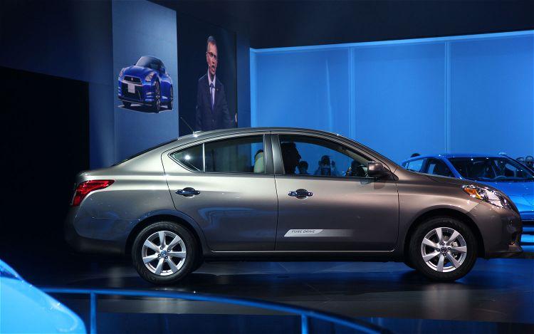 cars models list 2012 nissan versa sedan. Black Bedroom Furniture Sets. Home Design Ideas