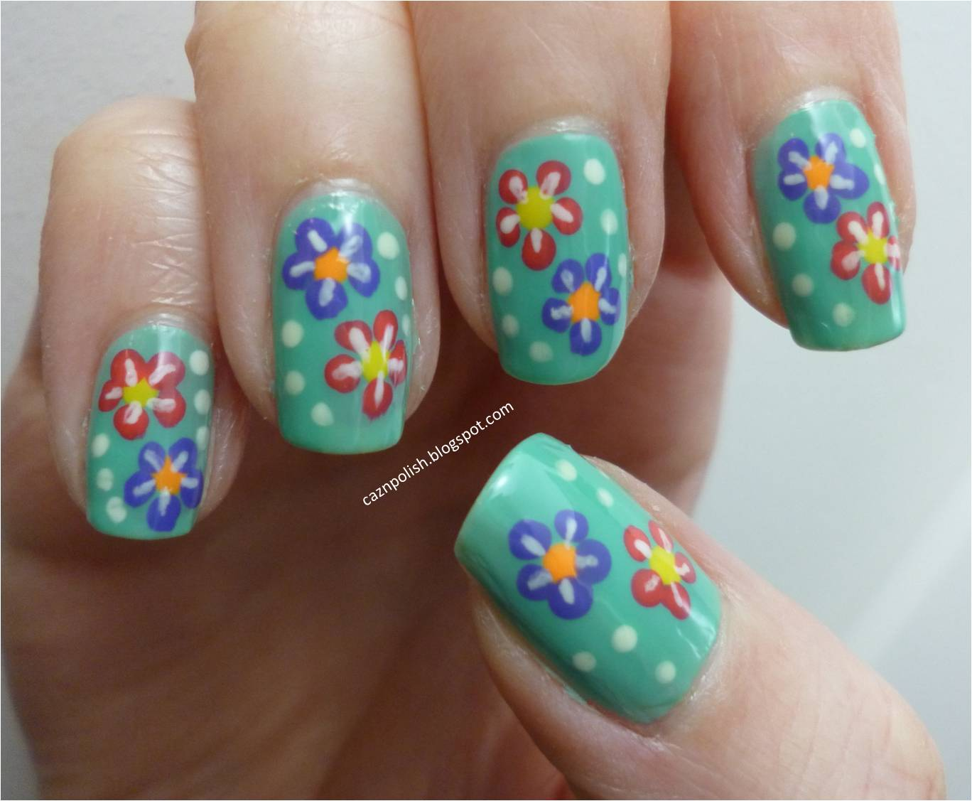 caz 'n' polish | Hawaiian Flowers Nail Art