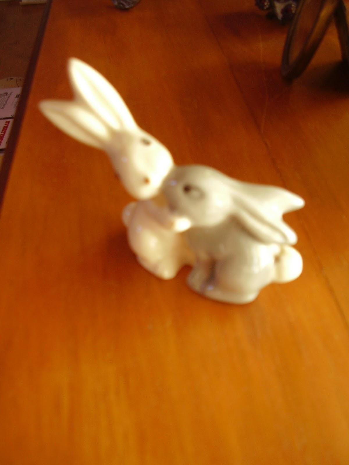 http://3.bp.blogspot.com/-i0kbCNfJ0QI/TxNu4AMDbUI/AAAAAAAAAtE/vLLl1_oSZyI/s1600/bunnies.jpg