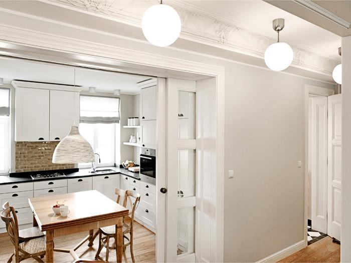 Una cocina en blanco y madera a white kitchen desde my for Puertas acristaladas correderas