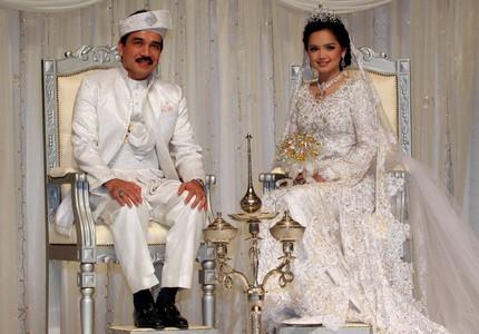 WOW! Eksklusif Kisah Isteri Dan Bekas Isteri-Isteri Datuk K