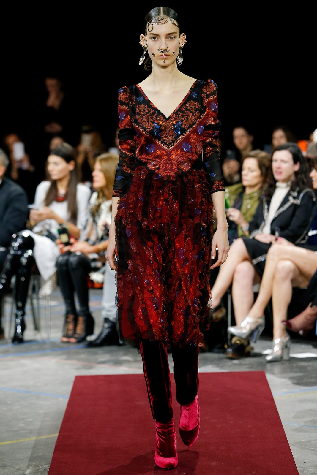 Brocade trend on AW 2015 runway at Givenchy / via www.fashionedbylove.co.uk