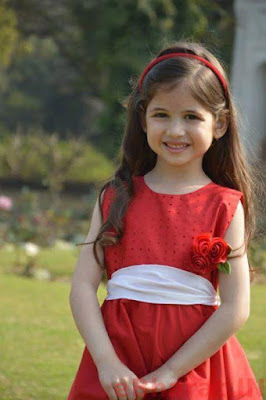 Smiling munni photo in red dress