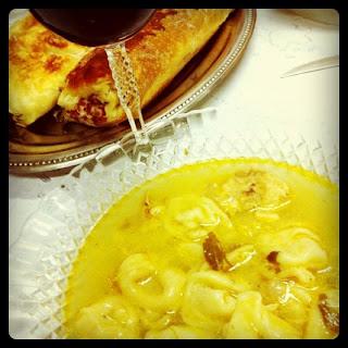 frango, massa, sopa, agnolini, caldo de frango, alimentação, jantar, capeleti,