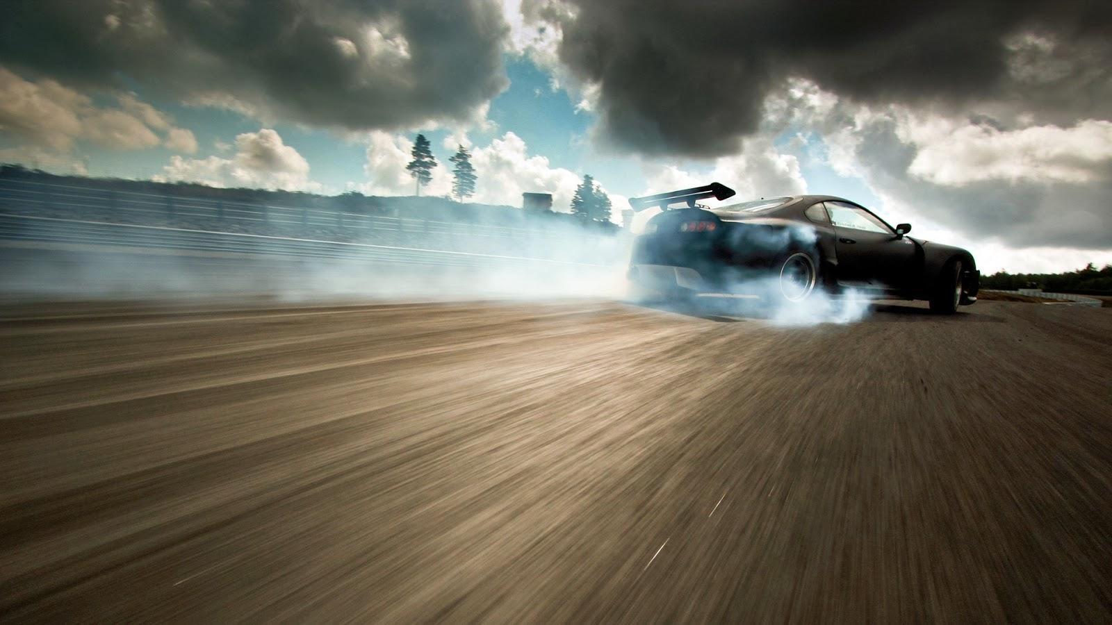 http://3.bp.blogspot.com/-i1PMY2Hmung/UxZOYY9kUCI/AAAAAAAAYnU/m888eM-d_ak/s1600/drift-drifting-car-389395.jpg