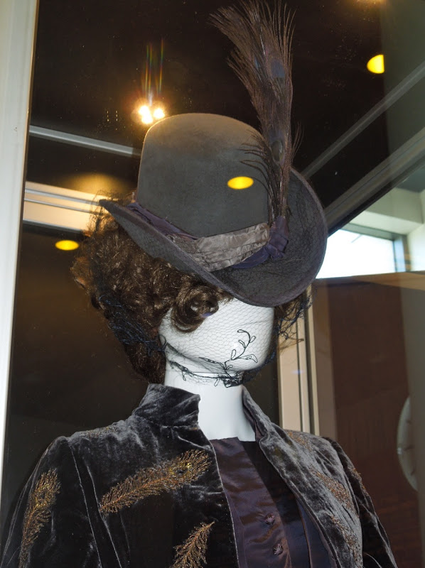 Anna Karenina peacock hat