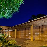 Rumah Tropis Gaya Etnik 6