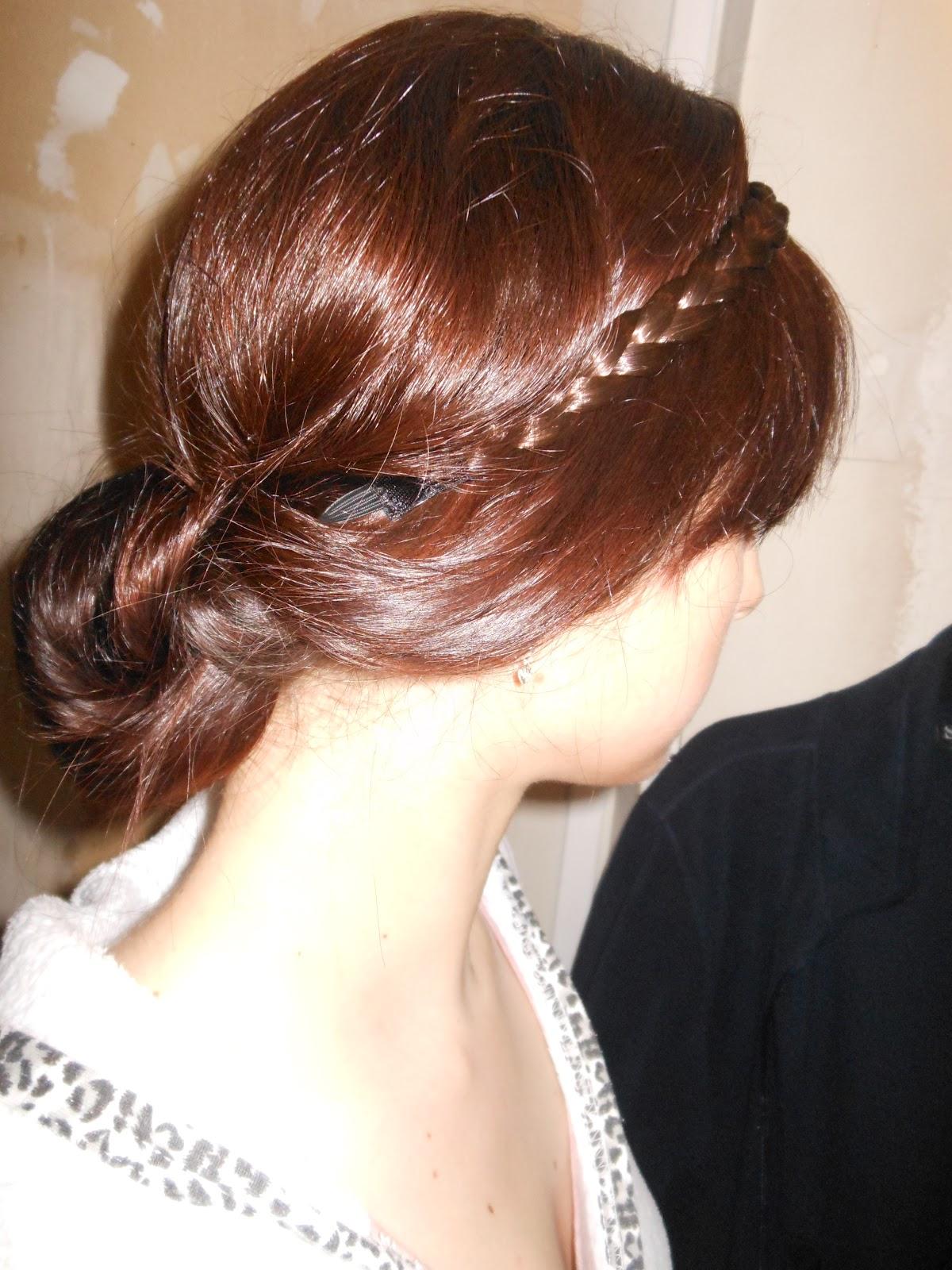 Pousse de cheveux rapide et naturelle chignon romantique avec headband - Chignon avec headband ...