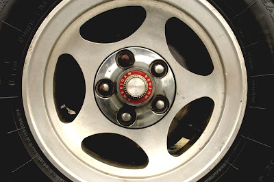 1981-AMC-Spirit-Kammback-wheel