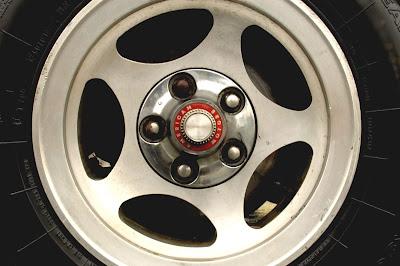 1981-AMC-Spirit-Kammback-wheel