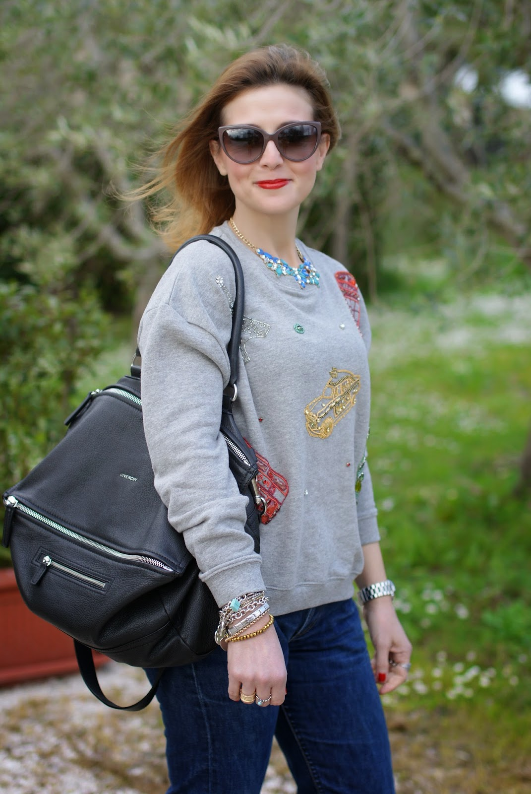 comfortable outfit, Zara city symbols sweatshirt, Givenchy Pandora, Fashion and Cookies, fashion blogger