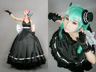Tasha and Ren cosplay as Vocaloid Magnet Luka and Miku