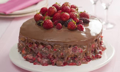 Receita de Bolo de Chocolate e Morango