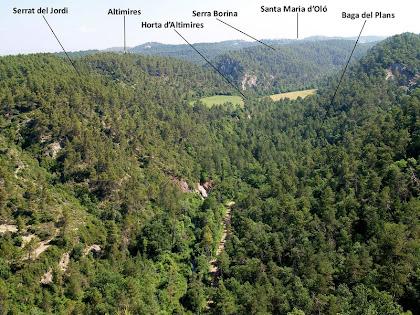 Vista panoràmica de la vall de la Riera d'Oló des del mirador