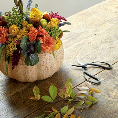 pine cones and acorns 15 thanksgiving centerpiece ideas
