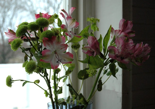 Blommor i en vas.