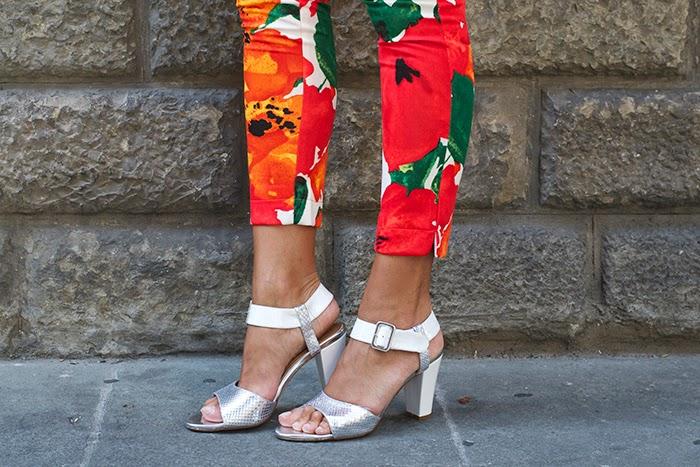 sandali bianchi a argento