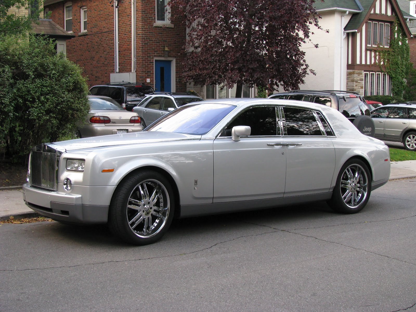 wheels up for car own windsor bentley by your mulsanne chance sale queens culture to is s features queen the