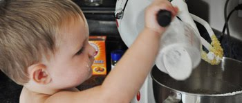 7 REASONS WHY YOU SHOULD COOK WITH YOUR KIDS