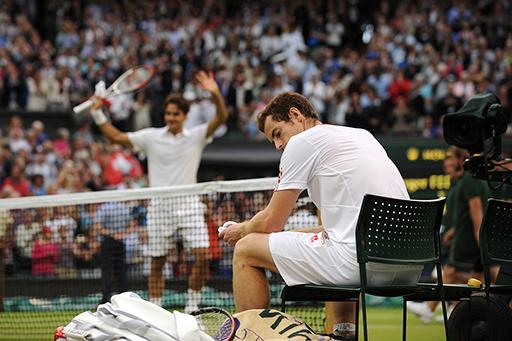 Federer celebra, al fons, el seu 7è Wimbledon. Foto: Kate Battersby