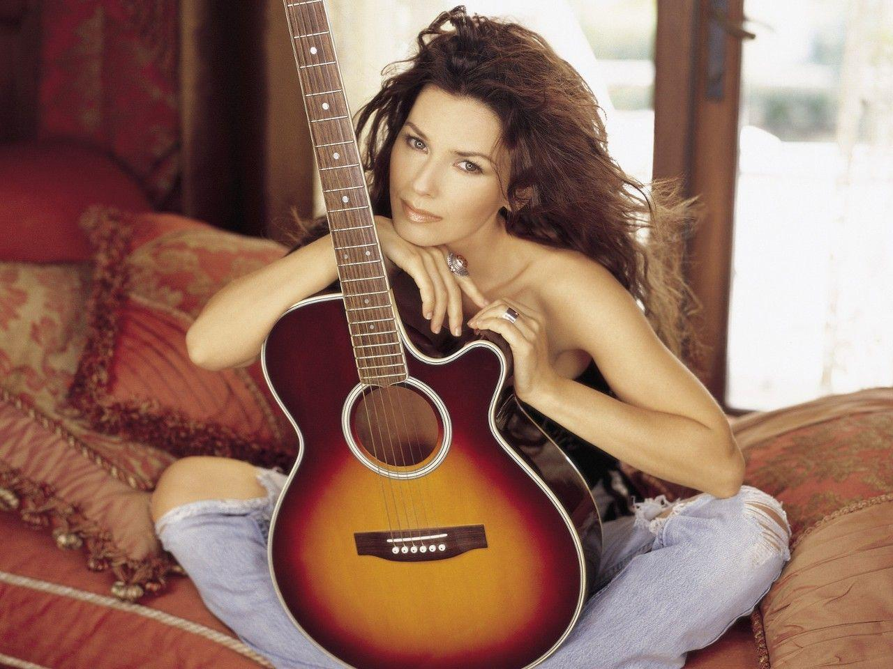 Today Is Their Birthday Musicians August 28 Shania Twain