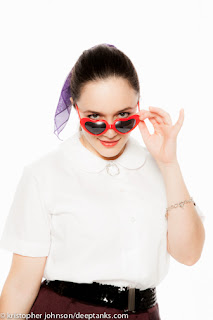 http://www.heyviv.com/featured-item-sweet-heart-sunglasses/