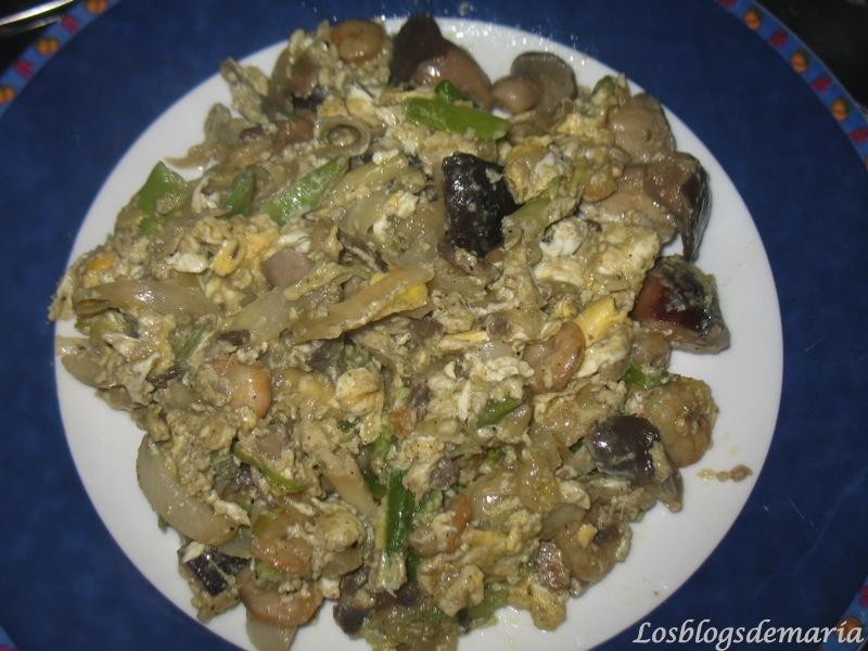 Tortilla o Revuelto ( setas, gambas y ajetes)