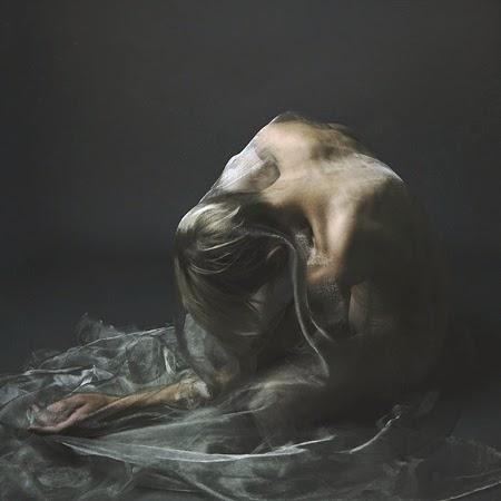 photographie josephine cardin vogue italie  nue féminin