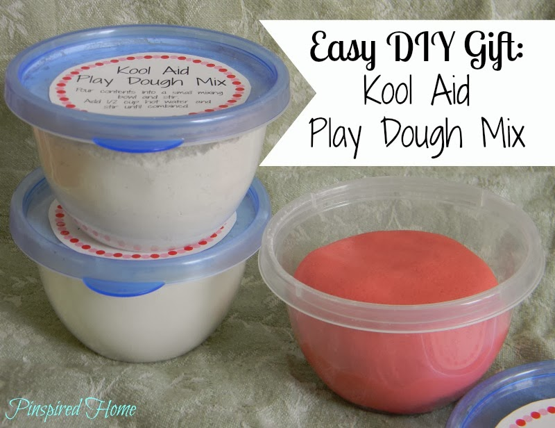 http://pinspiredhome.blogspot.com/2013/12/kool-aid-playdough-mix-with-free.html